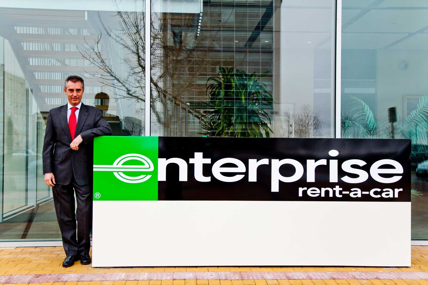 Enterprise Car Rental Mobile Al: 5+1 SERGIO ASENSIO, DIRECTOR COMERCIAL ENTERPRISE RENT-A